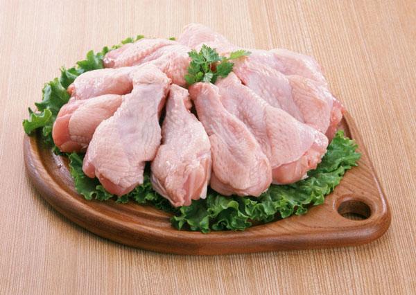 Mangalda pişirmek için tavuk eti gibi beyaz etler tercih edilmeli